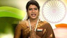 印度现首位变性人主播 大受观众们的好评
