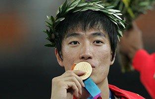 2004雅典奥运会12秒91追平世界纪录