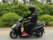 【骑士网呆子测评】雅马哈山寨了自己,赛鹰GT省油踏板,骑士网呆子测评