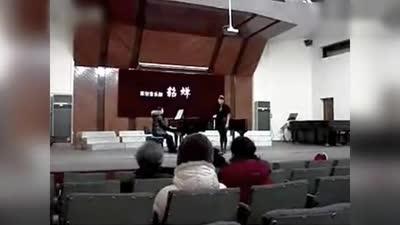 """""""小袁珊珊""""在校视频曝光 演唱黄绮珊《等待》"""