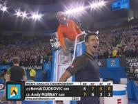 小德鏖战四盘逆转穆雷 澳网三连冠创纪录