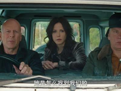 《赤焰战场2》曝女王海报预告 米伦变身蛇蝎悍妇