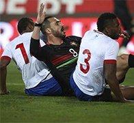 C罗缺席葡萄牙爆冷0-2负