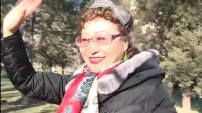 63岁阿姨容颜不老的秘密 永葆青春的穴位大揭秘