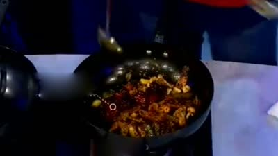 在家做出干香麻辣香锅 大厨解答餐桌规矩