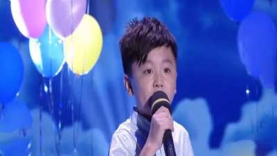 小宝贝们精彩演唱少年中国强 清澈嗓音挑战如果云知道