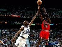 1998年NBA总决赛第六场公牛VS爵士,精彩回顾,乔丹施准绝杀斩获第二个三连冠[篮球花絮]