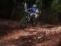 山地自行车速降怎么玩 专家为你揭开速度奥秘