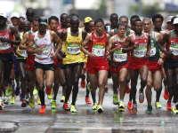 男子马拉松赛肯尼亚夺冠 基普乔格赢人生第一枚奥运金牌
