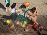 """星联训练被""""砸晕"""" 沙滩游戏释放真情-星球者联盟0830预告"""