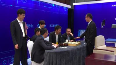 人类再次败北:中国五顶尖棋手联手仍不敌AlphaGo
