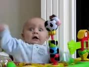 网络爆红宝宝 和妈妈玩的哈哈笑
