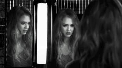 《罪恶之城2》 片段之Jessica Alba