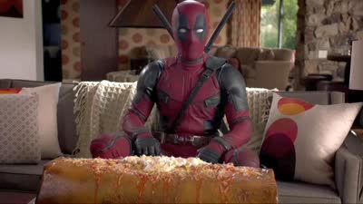 《死侍》曝IMAX版预告海报 斯坦李现身 全新预告圣诞放出