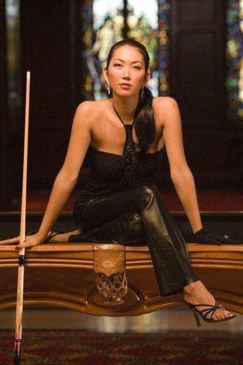"""不成魔,不能活,揭""""黑寡妇"""",一个历经苦难的台球女神"""