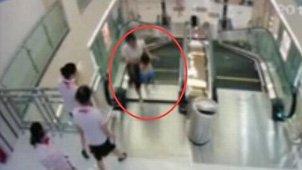 湖北荆州女子卷入电梯身亡