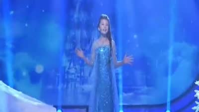 混血小美女演绎冰雪奇缘 彭展亦称偶像是张杰演唱逆战
