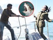 《十二道锋味》20161029:霆锋惊险钓鲨鱼引紫琼尖叫 骑鸵鸟险撞墙状况百出