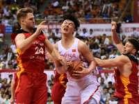 斯杯-王哲林18+10孟铎17分 中国73-76德国无缘决赛