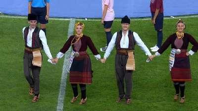 异域风情!欧超杯献精彩表演 马其顿舞蹈嗨翻全场