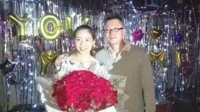 女排主力魏秋月接受男友求婚 女神嫁给了教练