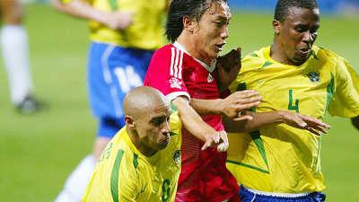 【策划】跪着看完!当年国足竟和五星巴西对攻90分钟