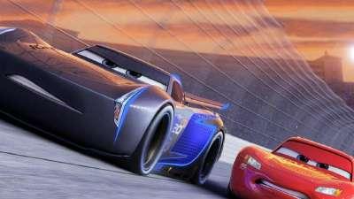 《赛车总动员3》先行版预告片  小鲜肉赛车抢风头