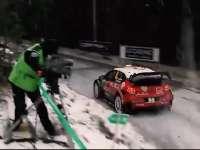 实拍WRC蒙特卡洛站周日赛段过弯 近距离感受雪中狂飙