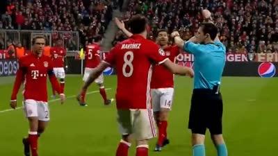 【争议】厄齐尔带球出界还给角球 拜仁3将不爽7万球迷嘘他
