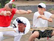 《上阵父子兵》20170819:父子上演蹲马步PK赛 父亲坦言拖儿子后腿