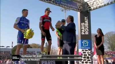 二维码称霸巴黎-鲁贝 领奖台抱得石头归