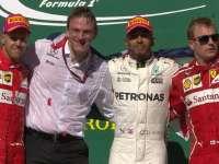克林顿亲自为冠军颁奖 Kimi重登领奖台一脸苦涩