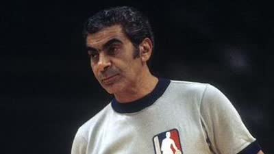 历史上的11月10日:雄鹿超音速5加时 NBA总裁辞职