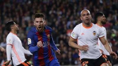 比赛报告-梅西双响炮戈麦斯处子球 巴萨4-2瓦伦