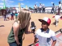 滑板少年天赋秉异 耍帅炫技为梦想而战