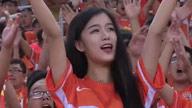 大明湖畔最美鲁能女球迷 从一个变成了一群
