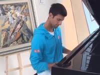 小德假秀钢琴技艺