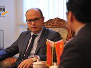 """专访白俄罗斯大使:""""一带一路""""国际合作高峰论坛将成为全球治理的范例"""