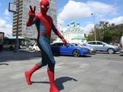 《蜘蛛侠:英雄归来》巴塞罗那活动视频 蜘蛛侠一飞冲天!