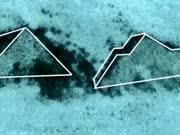 """百慕大三角海底惊现两座""""金字塔"""" 酷似埃及金字塔与玛雅神殿"""