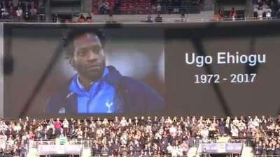 热刺U23主帅英年早逝 温布利全场赛前为其默哀