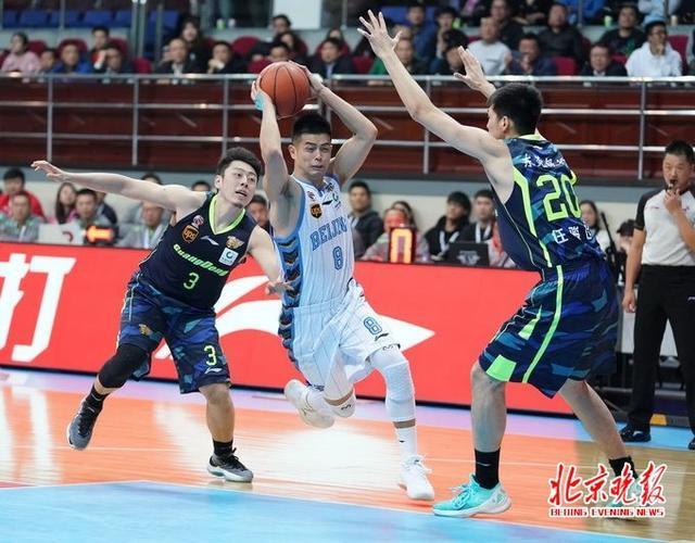 北京首钢男篮95比90战胜广东 老马不在方硕出彩