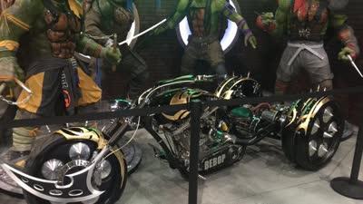 """《忍者神龟2:破影而出》""""正邪交锋""""预告 水陆空火力全开震撼升级"""