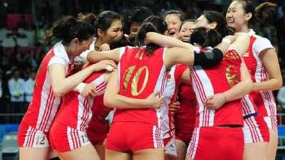 塞女排首次闯入奥运决赛 中国女排心态更胜一筹