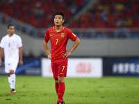 【中国0-0伊朗】武磊失单刀曾诚伤退国足抢一分