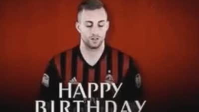 【聚焦】23岁生日快乐!巴萨青训球王在米兰重生 1V3轰惊天处子球