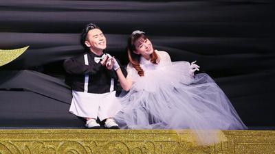 张伦硕演绎创意小人舞