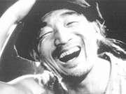 严顺开系中国唯一金拐杖奖得主 曾合影卓别林家人