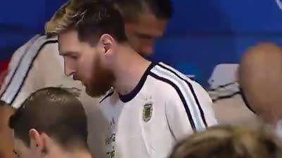 梅西:媒体不尊重我们 阿根廷球员拒绝采访【中字】