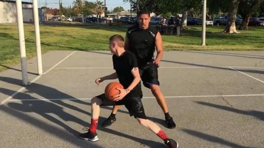 后卫中锋都能用!超实用背转身上篮教学